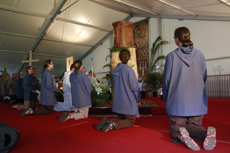 13-adoration