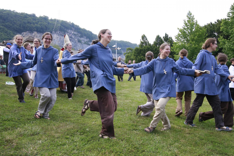 16-danse soeurs