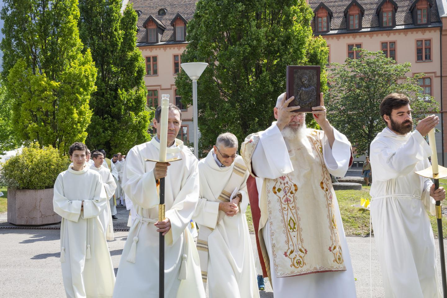 Ordinations Eucharistein 16.06.2018 029